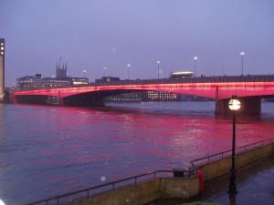1024px-London_Bridge_Illuminated